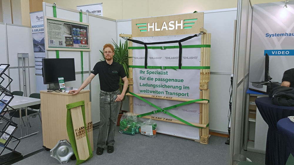 Messestand der HLash GmbH beim Leuna Dialog 2016