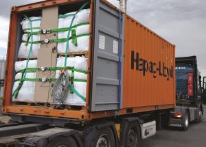 Ladungsicherung im Container durch Rückhaltesystem für Weichverpackungen