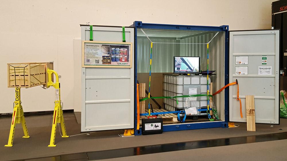 CeMAT 2018 HLash Messestand   Ladungssicherung im Container