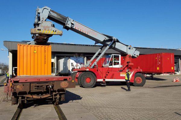 Schiene Prüfareal HLash & Rainer Container-Umschlag